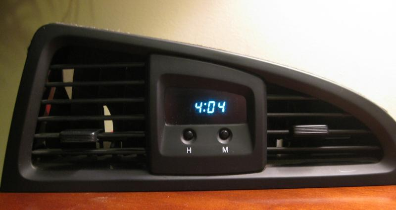 Nissan Pathfinder Clock QX4 Clock repair